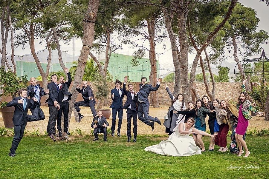 Fotos-divertidas-bodas-en-la-opera-benicasim