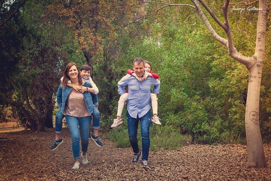 fotos-divertidas-con-la-familia-en-el-campo