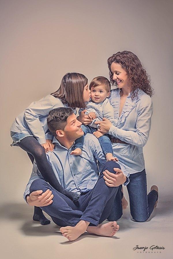 sesion-fotos-divertidas-en-familia