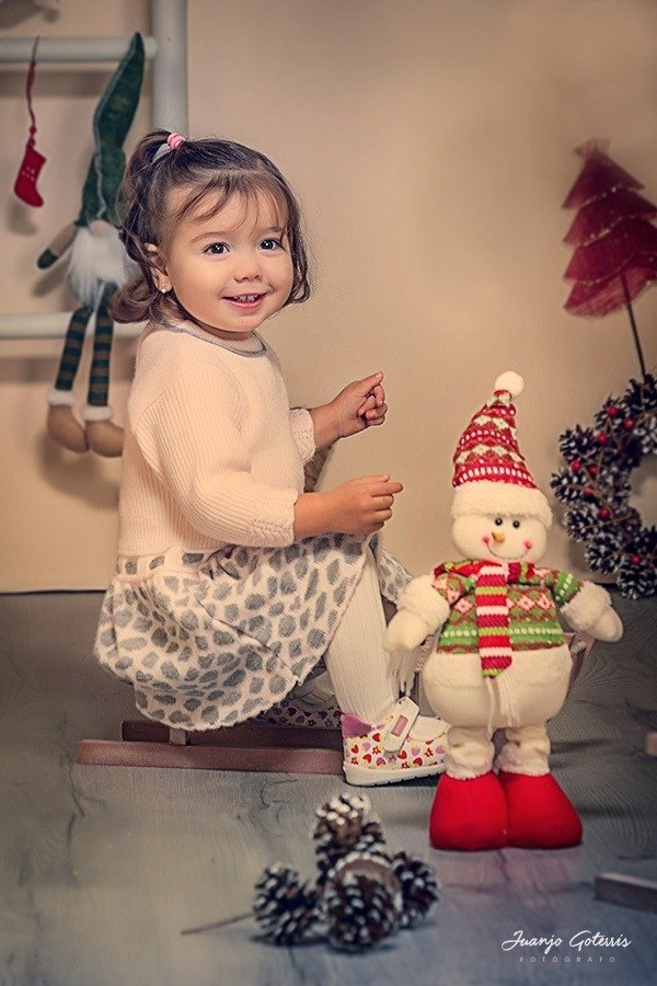 felicita-las-navidades-a-tu-familia