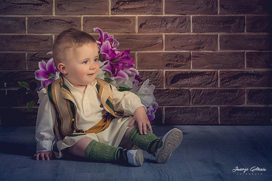 Fotografia-books-infantil-trajes-fiestas-Juanjo-Goterris-Fotografo